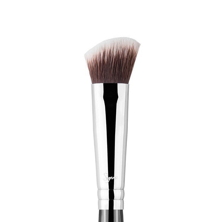 Sigma Beauty | P84 Precision Angled Brush™ – SILFUR